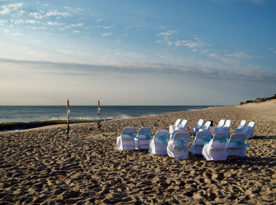 New Jersey Wedding Officiant Andrea Purtell Wedding on the beach in Mantoloking